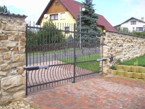 Lestkov - Brána